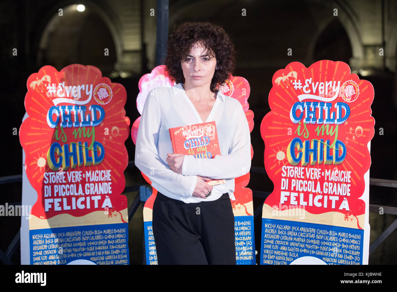 Roma, Italy. 22nd Nov, 2017. Italian actress Lidia Vitale during photocall for the presentation of the book 'EVERYCHILDISMYCHILD' - Stock Image