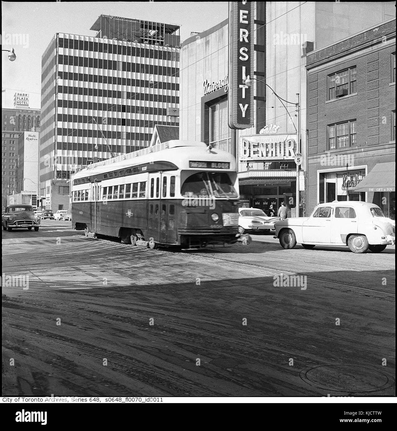 PCC streetcar on Bloor Street West - Stock Image