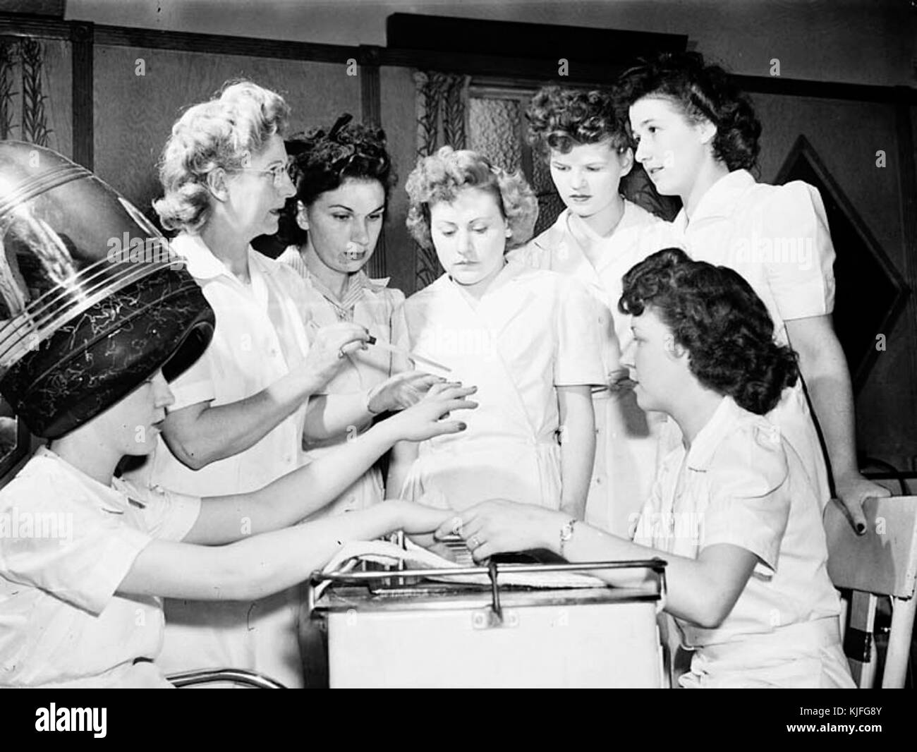 Ex servicewomen learning manicure techniques - Stock Image