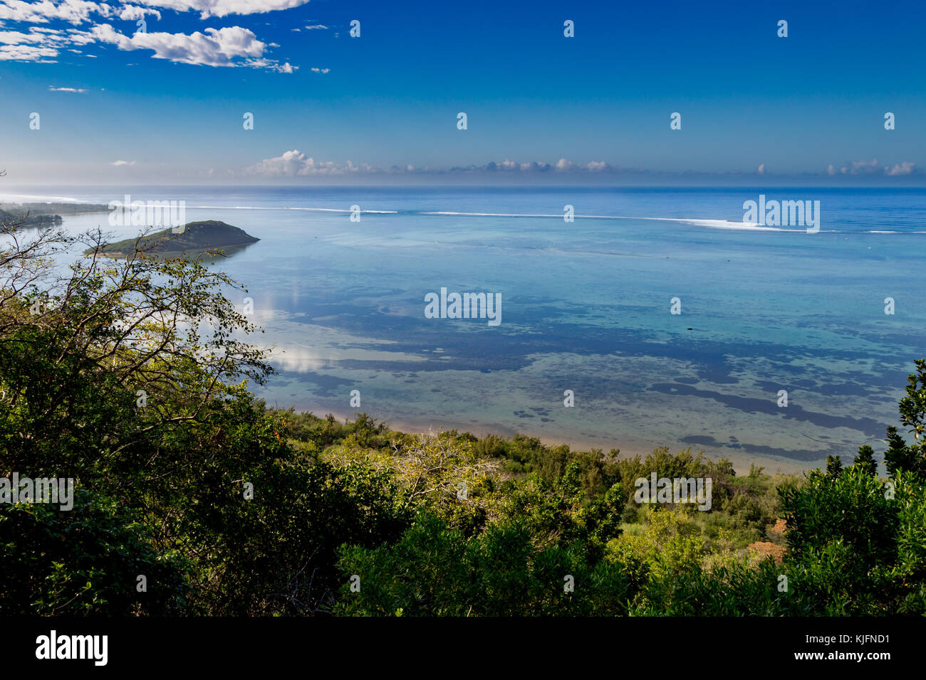 View from Le Morne Brabant onto the turquoise waters of the lagoon at the south coast of Mauritius, Africa. - Stock Image