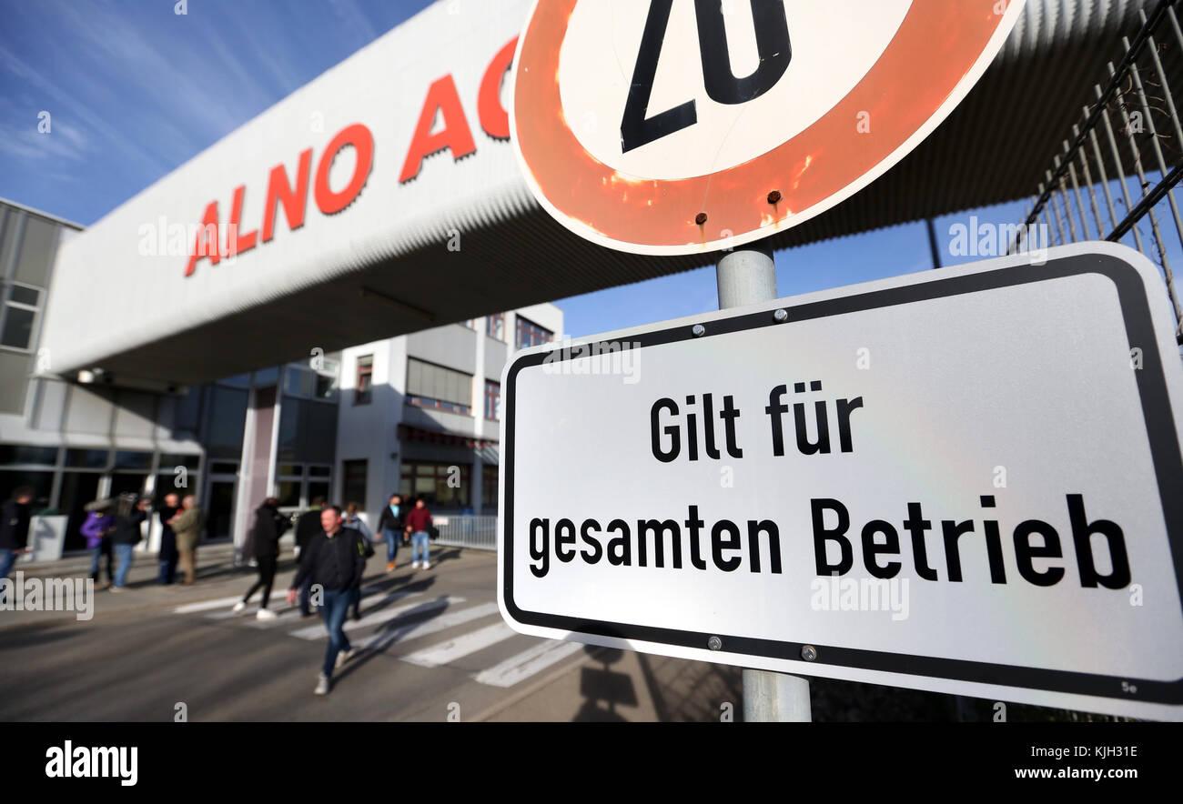 Alno Pfullendorf pfullendorf germany 24th nov 2017 employees of the bankrupt