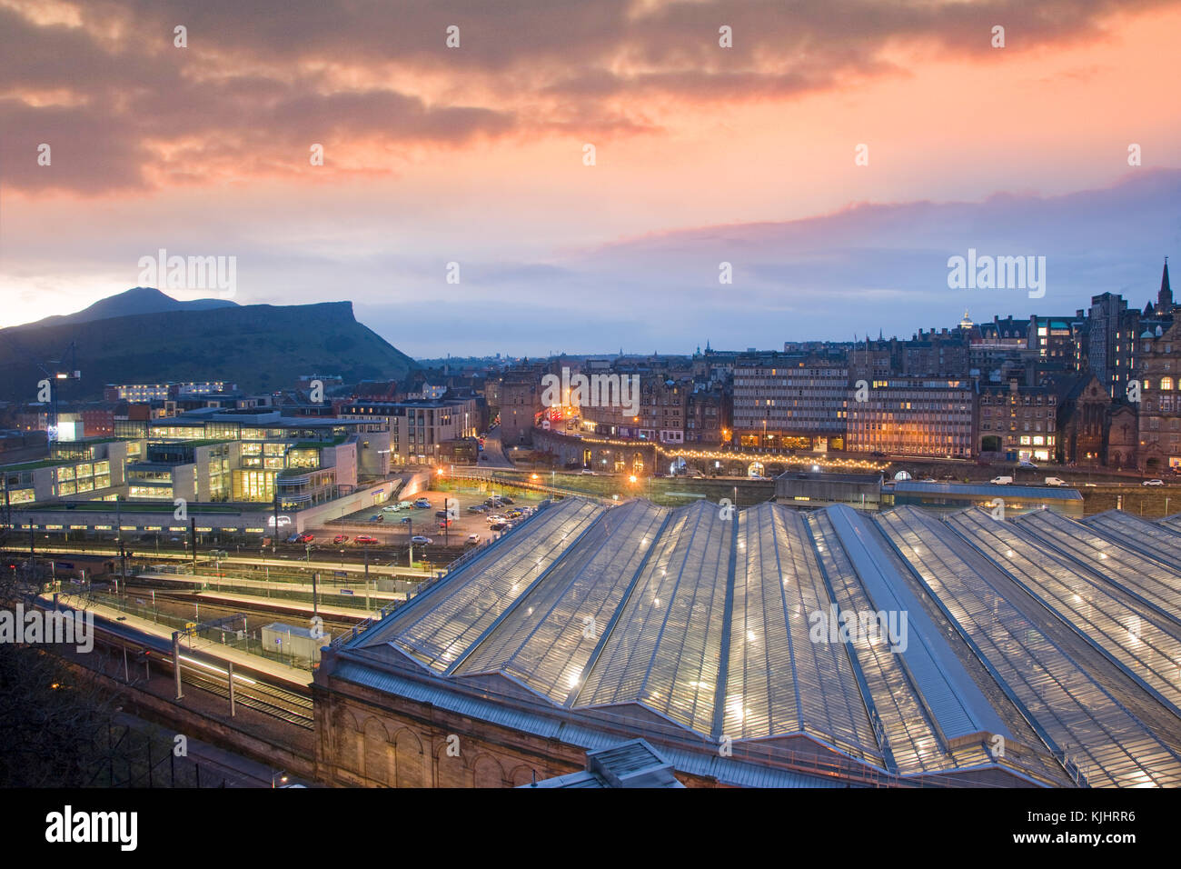 Dawn over Waverley Station, Edinburgh, Lothain - Stock Image