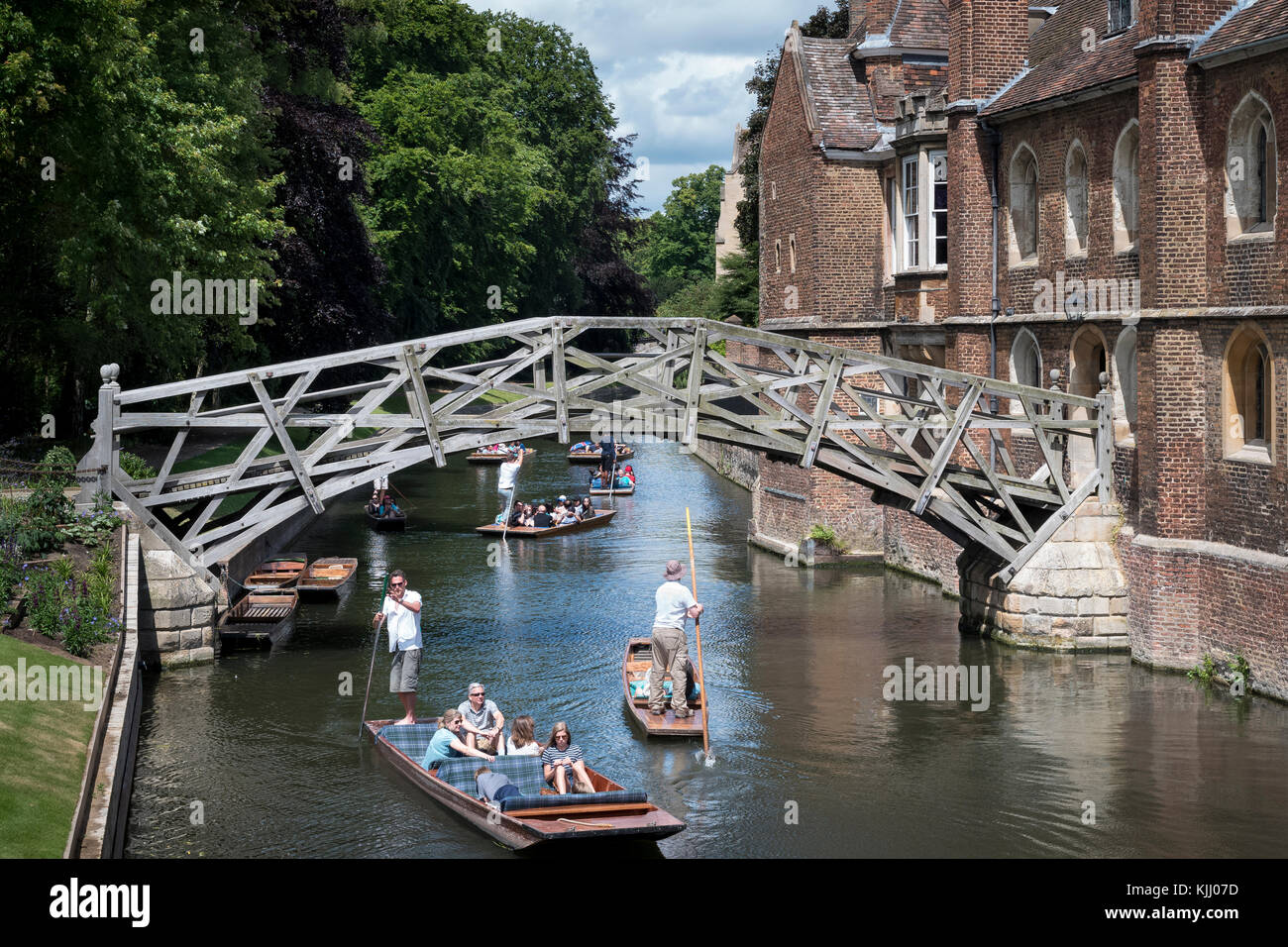 QUEENS COLLEGE (1448) & RIVER CAM   CAMBRIDGE CAMBRIDGESHIRE  UNITED KINGDOM - Stock Image