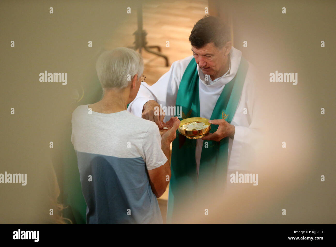 Catholic mass.  Holy communion. France. - Stock Image