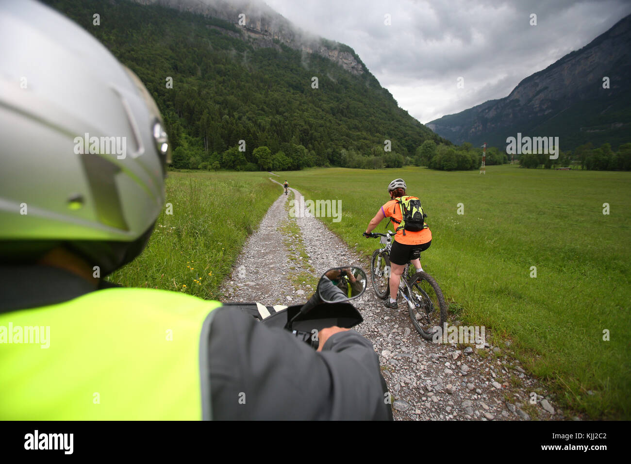 Dre Dans le l'Darbon : mountain bike race in the french Alps. France. - Stock Image