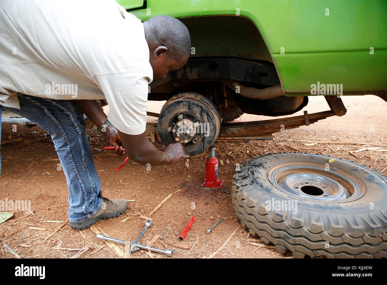 Car breakdown in Uganda. Uganda - Stock Image