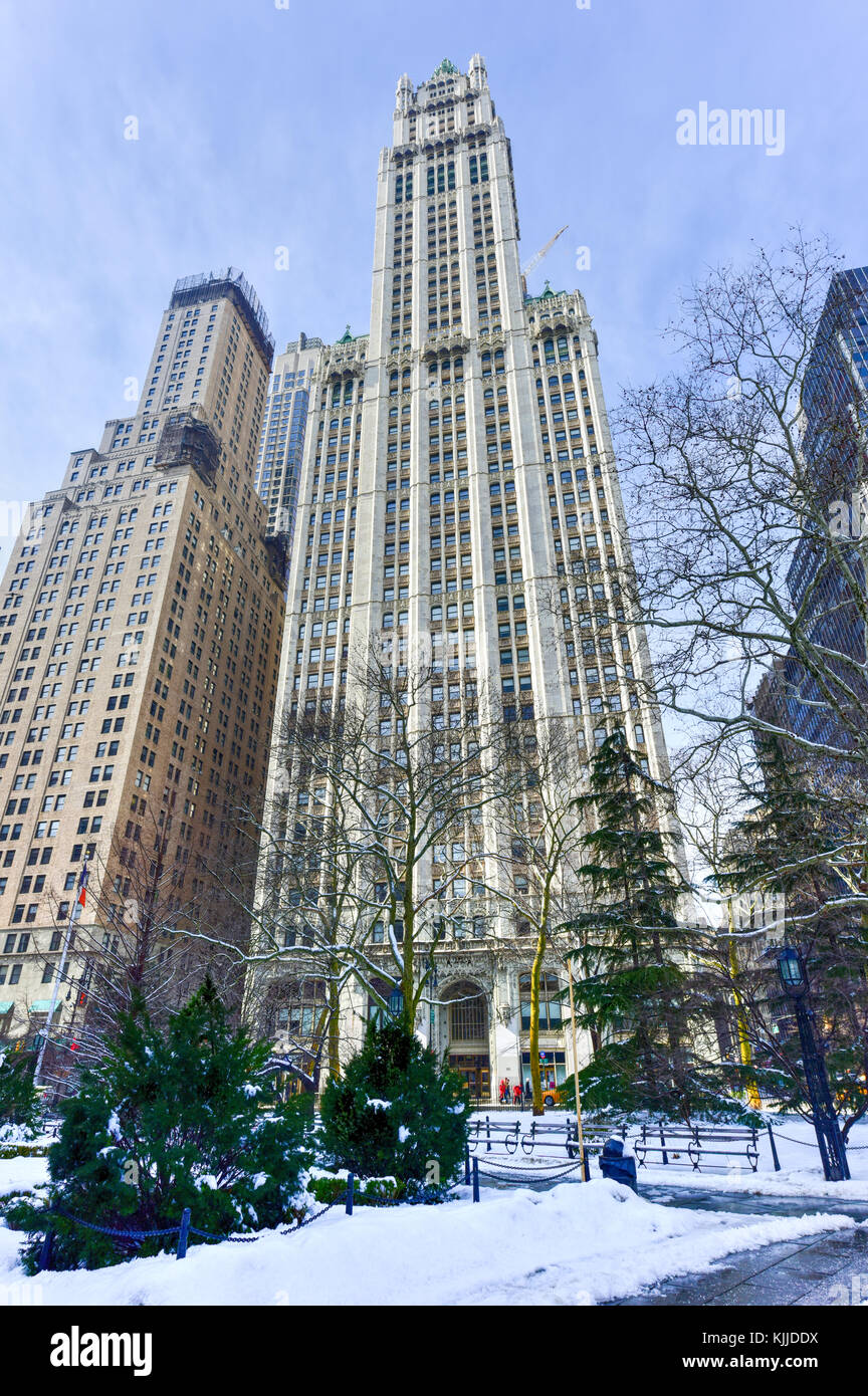Woolworth Building In New York City Usa It Was The Tallest