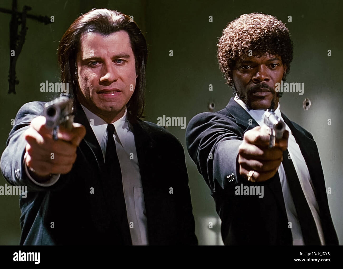 Samuel L. Jackson and John Travolta as mob hit men Jules Winnfield and Vincent Vega in Pulp Fiction (1994) directed by Quentin Tarantino. Stock Photo