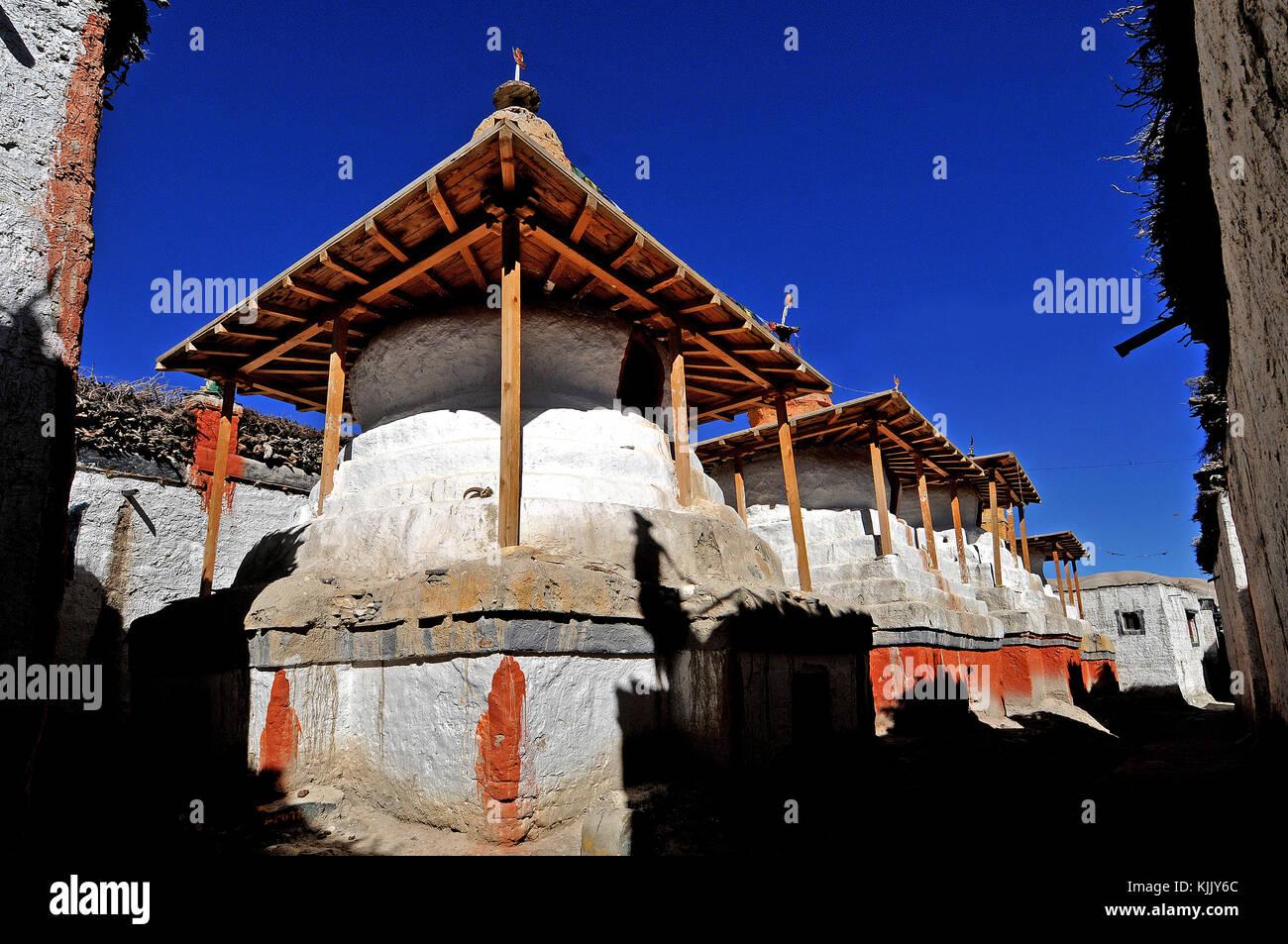 Stupas (chšrten) in Lo-Manthang village, Mustang. Nepal. Stock Photo