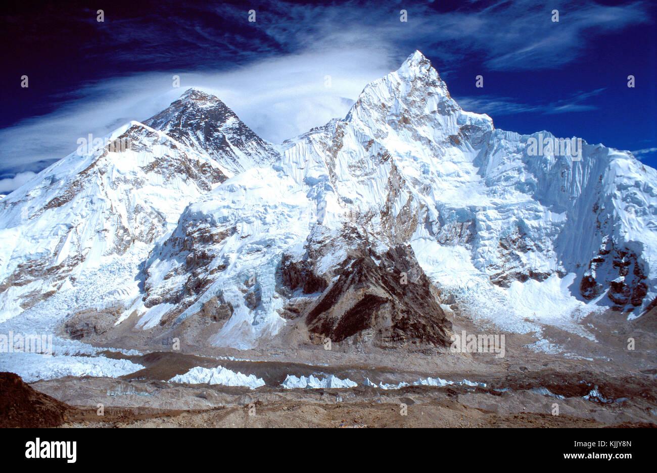 Trekking paths leading to Everest base camp. Solu Khumbu. Nepal. - Stock Image