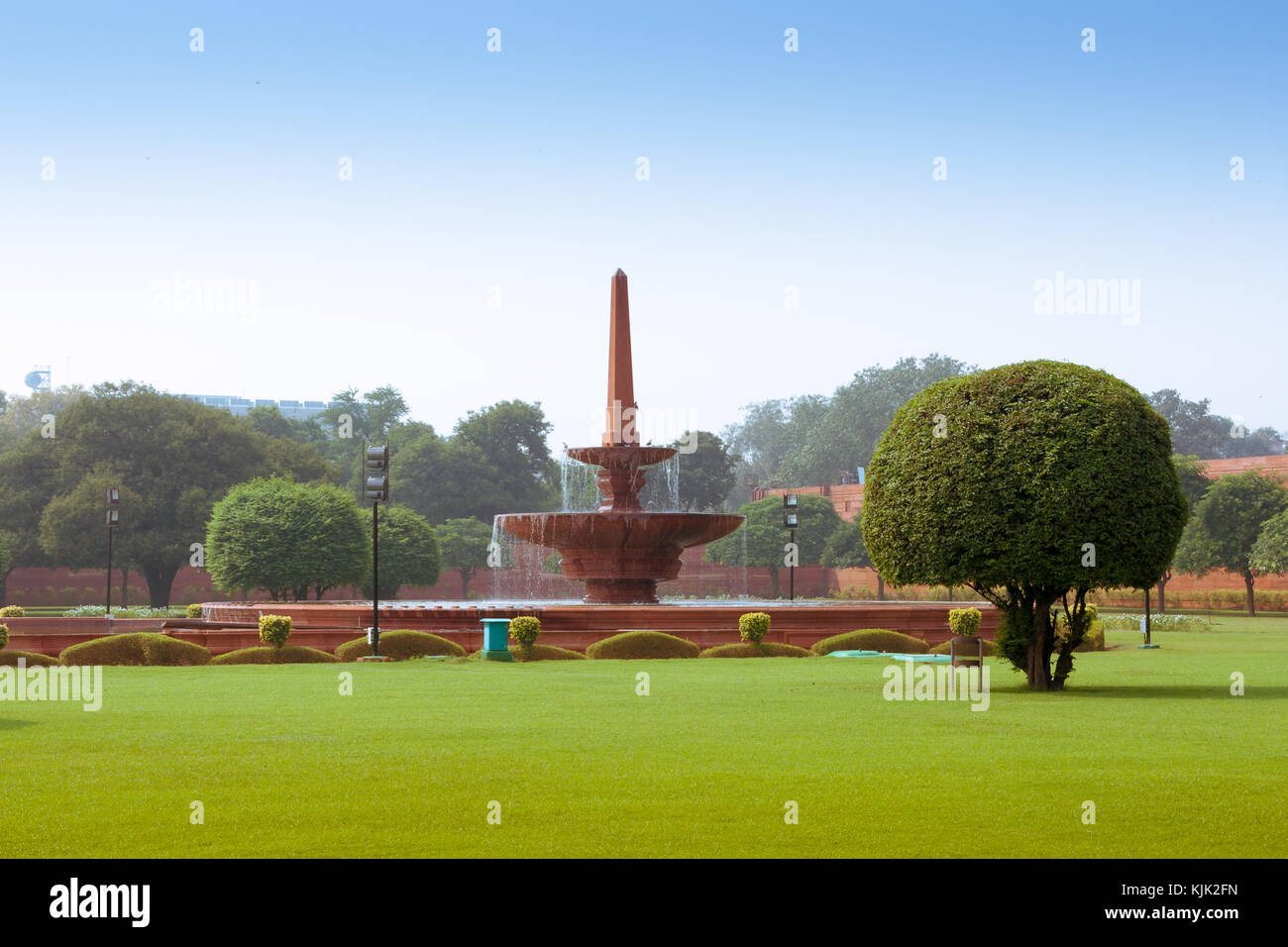 Fountain near Rashtrapati Bhavan, the official home of the President of India, located at the Western end of Rajpath Stock Photo