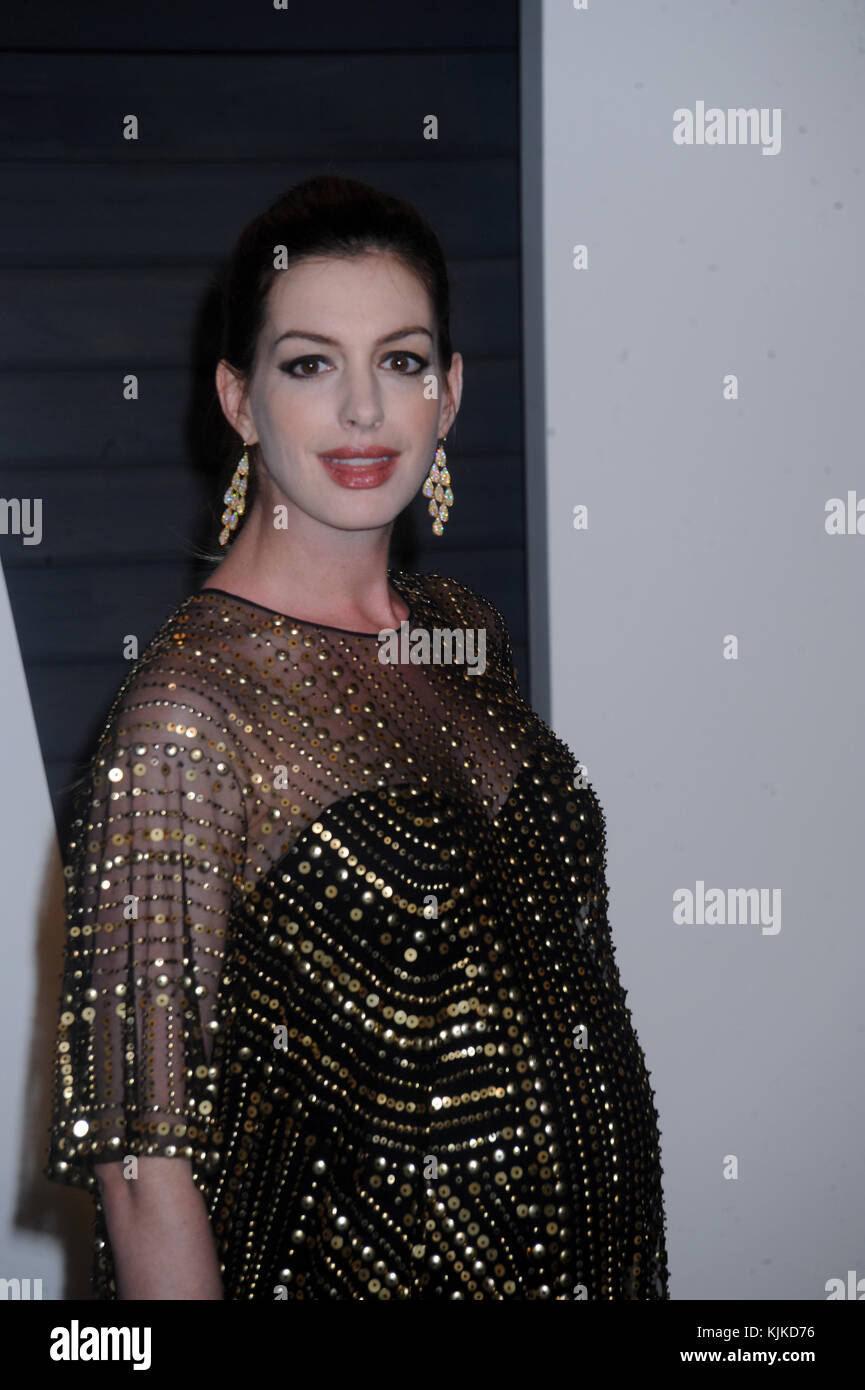 BEVERLY HILLS, CA - FEBRUARY 28  Anne Hathaway attends the 2016 Vanity Fair  Oscar Party Hosted By Graydon Carter at the Wallis Annenberg Center for the  ... 317e8dd86c24