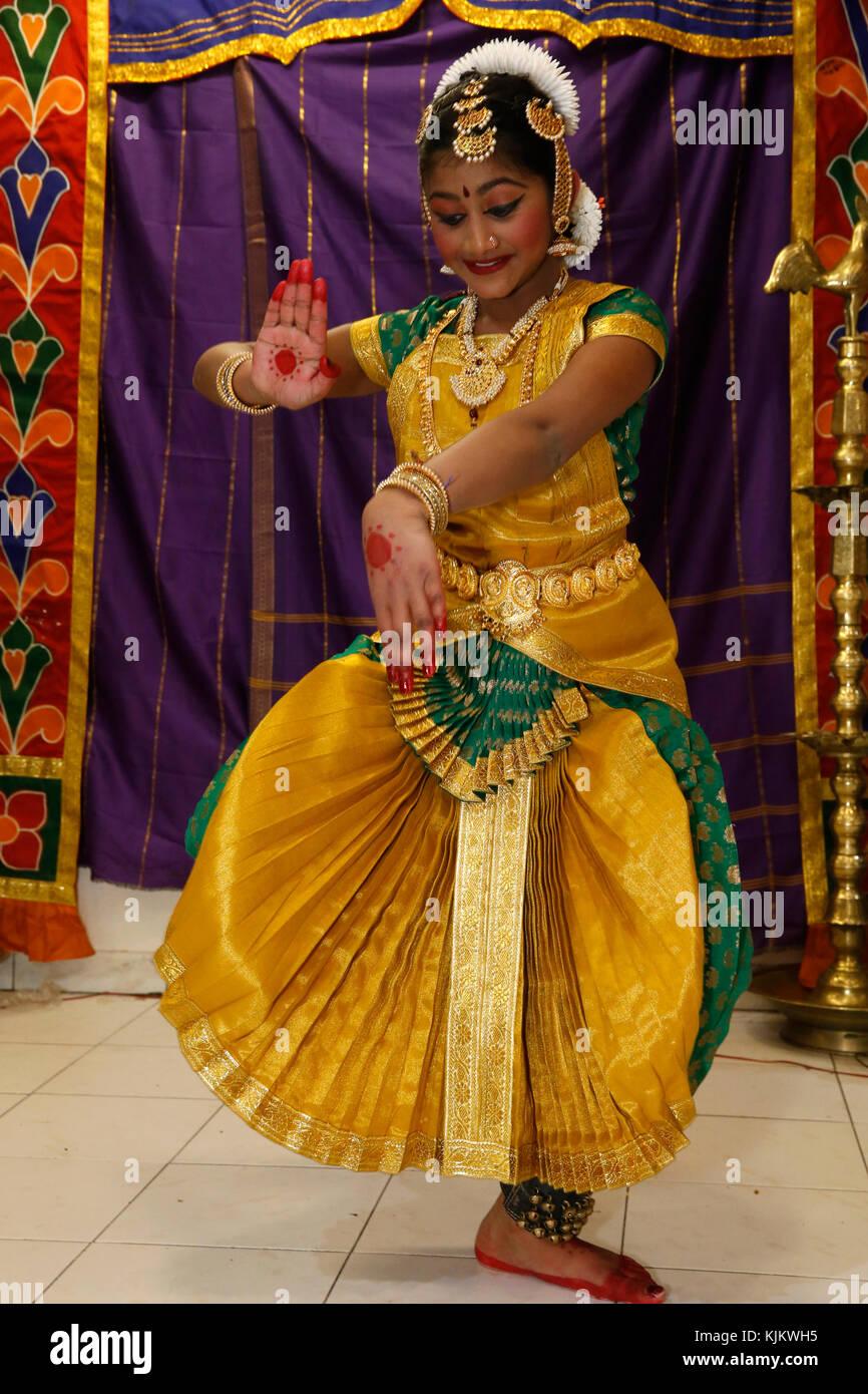 Sivaratri celebration at the Paris Ganesh temple. Traditional dancer. France. - Stock Image