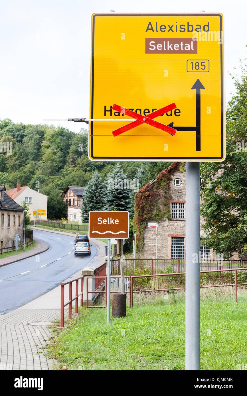 Umleitung nach Harzgerode über Alexisbad - Stock Image