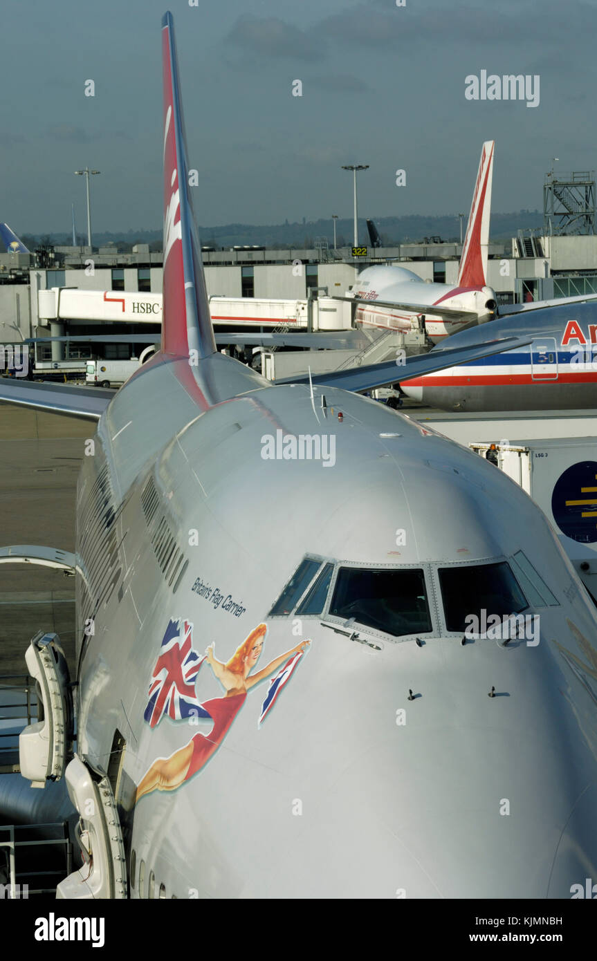 Flightdecks Stock Photos Images Alamy Boeing 747 400 Wiring Diagram Virgin Atlantic Airways At The Gate Terminal3 With An American Airlines