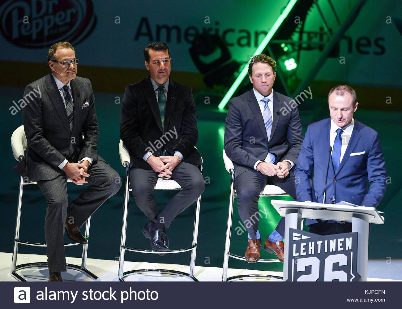 Dallas Stars Jere Lehtinen has his jersey retired as he gives a speech  before an NHL game between the Calgary Flames and the Dallas Stars at  American ... 0437a7792