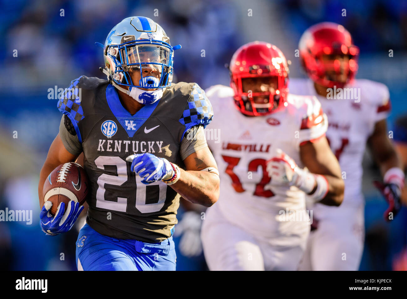 promo code ccc98 1f07a Kentucky running back Benny Snell Jr. (26) during the NCAA ...