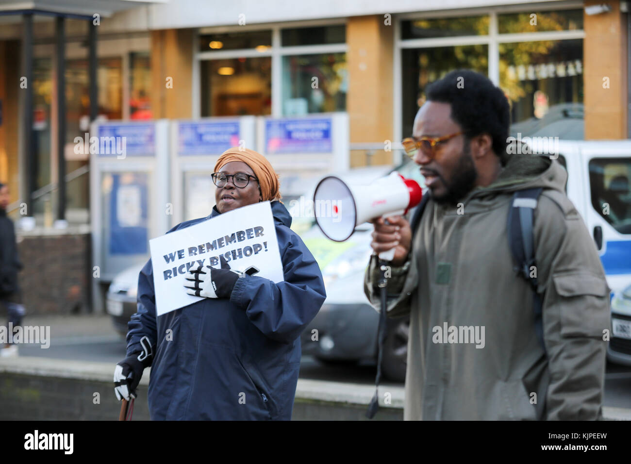 London, UK. 25th Nov, 2017. 25th Nov, 2017. Protest outside Brixton police station to remember Ricky Bishop, who - Stock Image
