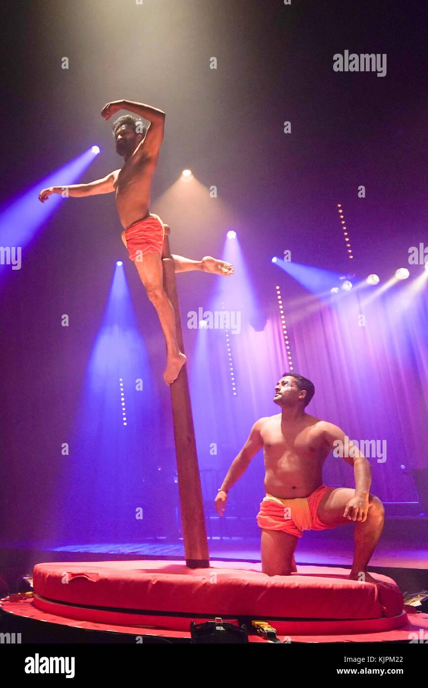 London, UK. 27th Nov, 2017. Mallakhamb India!, featuring Rajesh Amrale and Rajesh Rao, part of La Soiree, Olivier Stock Photo