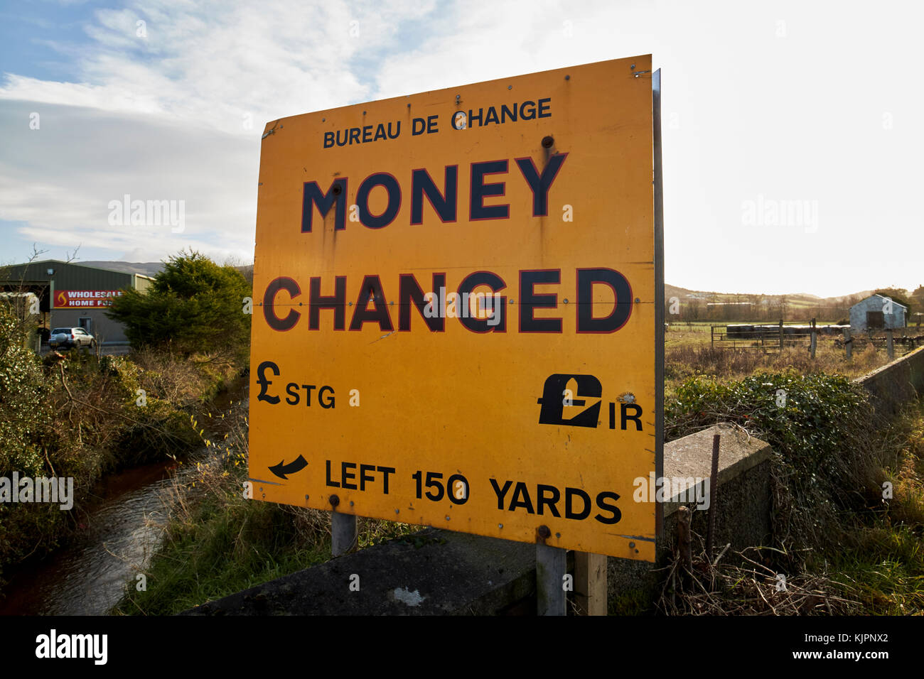Bureau De Change Old Street change money stock photos & change money stock images - alamy
