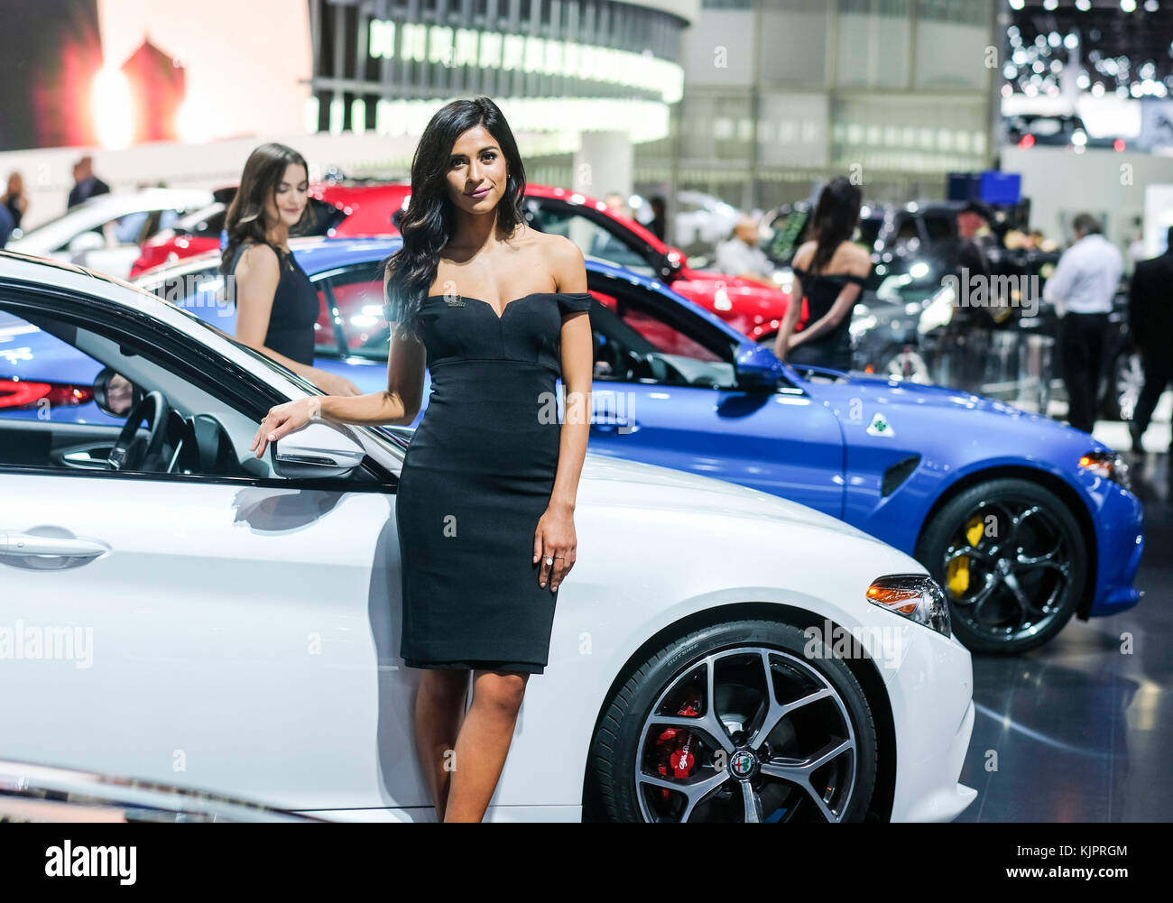 Alfa Romeo Los Angeles >> Los Angeles Usa 29th Nov 2017 A Model Poses Next To An Alfa