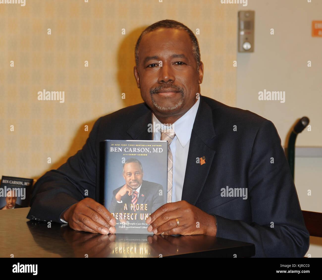 FORT LAUDERDALE FL - NOVEMBER 05: Presidential candidate Dr