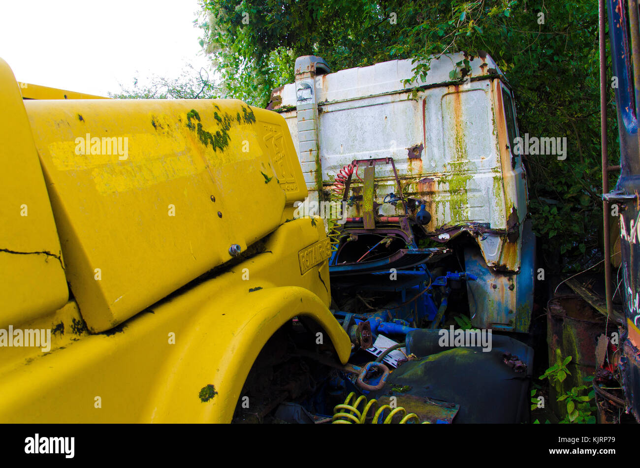 Down Vehicles Stock Photos & Down Vehicles Stock Images - Page 3 - Alamy