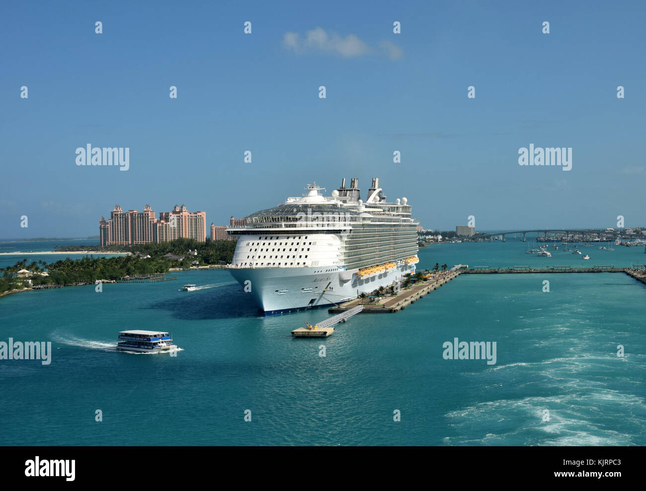 Nassau, Bahamas - December 21, 2015: Royal Caribbean megaship Allure of the Sears prepares for departure from Nassau - Stock Image