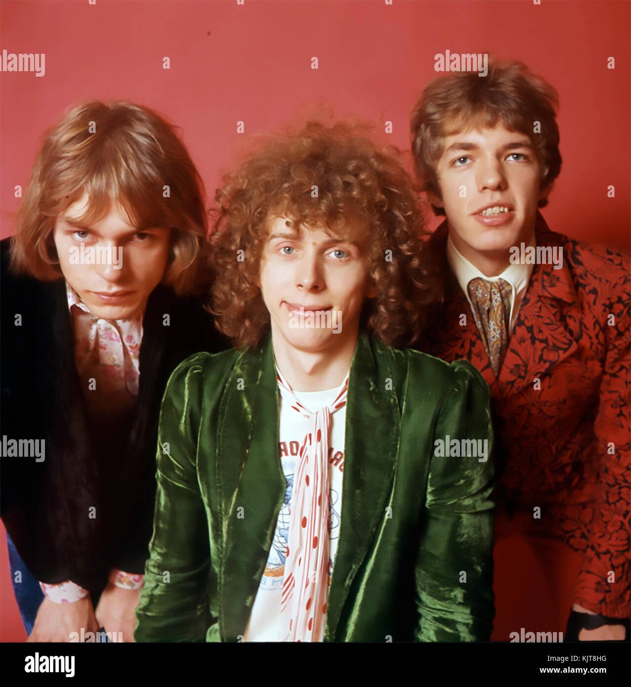 TOMORROW UK rock/pop group in July 1967. From left:  Steve Howe, John Alder, John Wood. Photo: Tony Gale - Stock Image