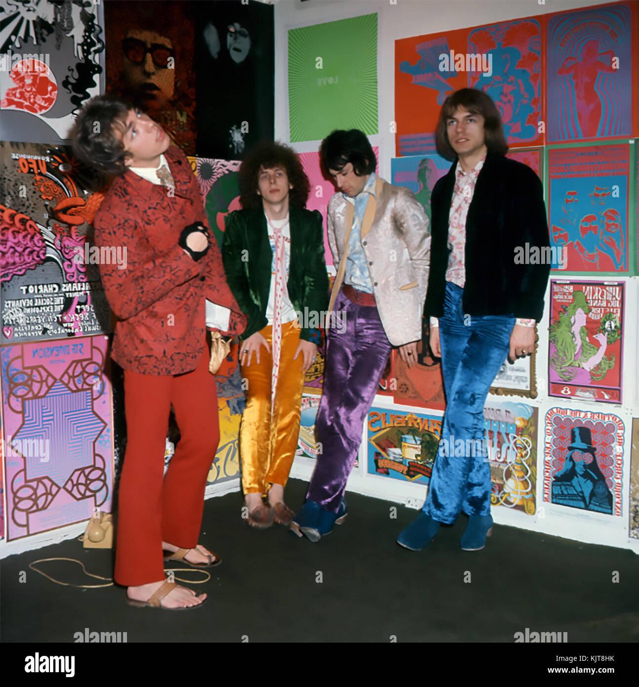 TOMORROW UK rock/pop group inJuly 1967. From left:  John Wood, John Alder, Keith West, Steve Howe. Photo: Tony Gale - Stock Image