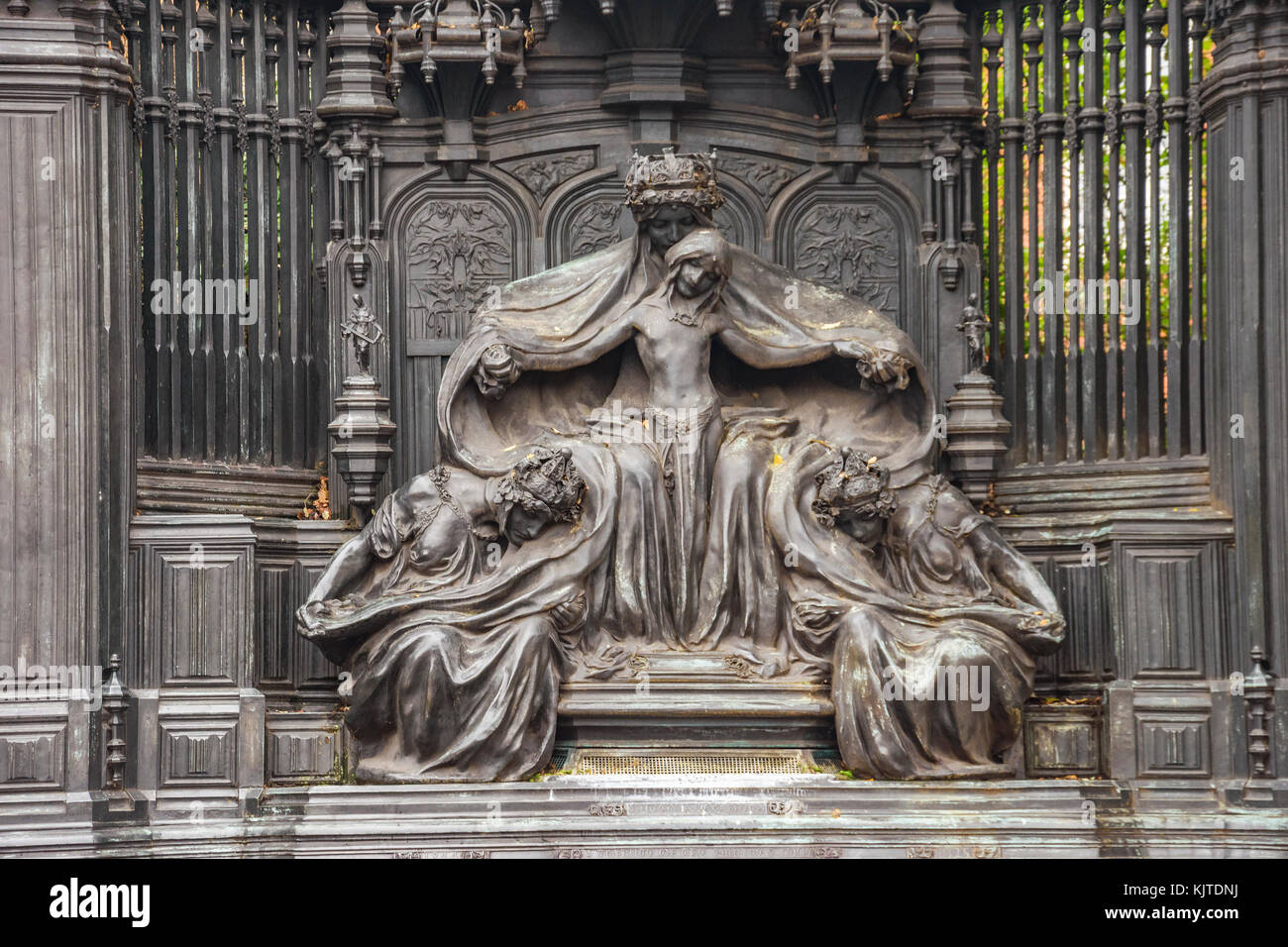 Art Nouveau memorial to Queen Alexandra of Denmark, was executed by the sculptor Sir Alfred Gilbert. - Stock Image