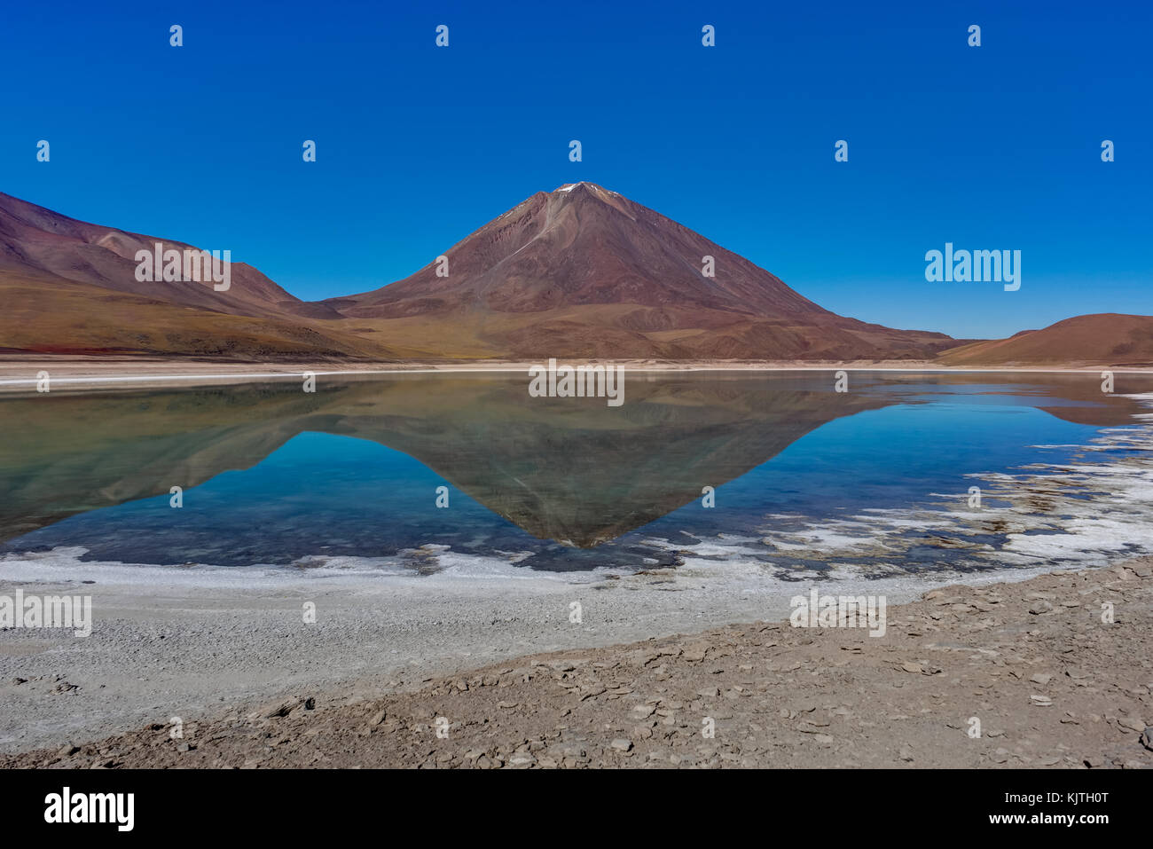 Photo taken in August 2017 in Altiplano Bolivia, South America: Laguna Verde Altiplano Bolivia - Stock Image