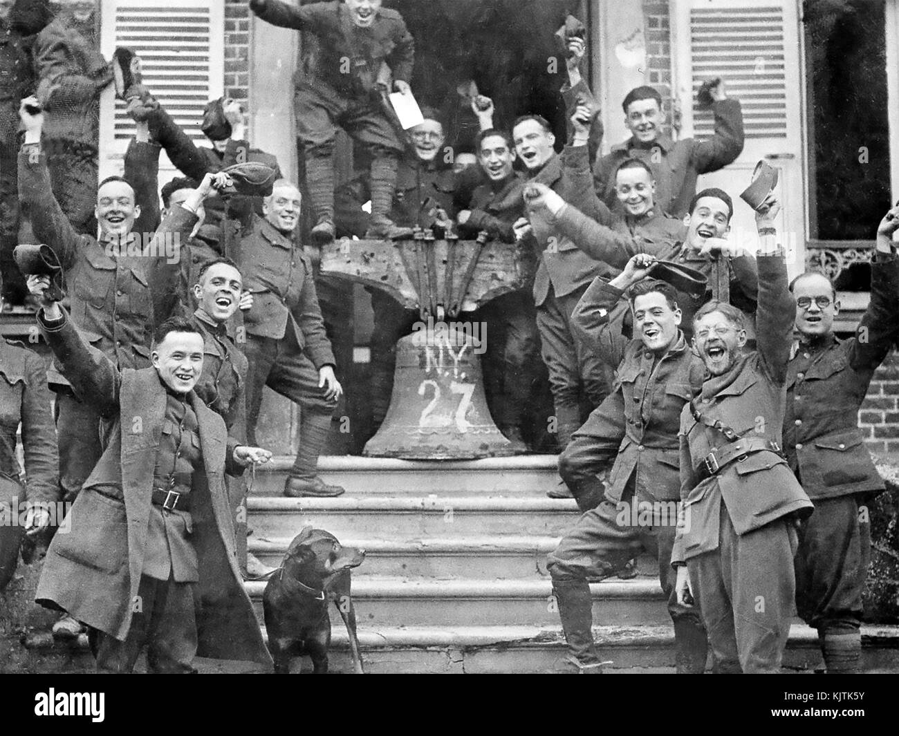 FIRST WORLD WAR ARMISTICE November 1918. American troops in France  celebrate the signing.