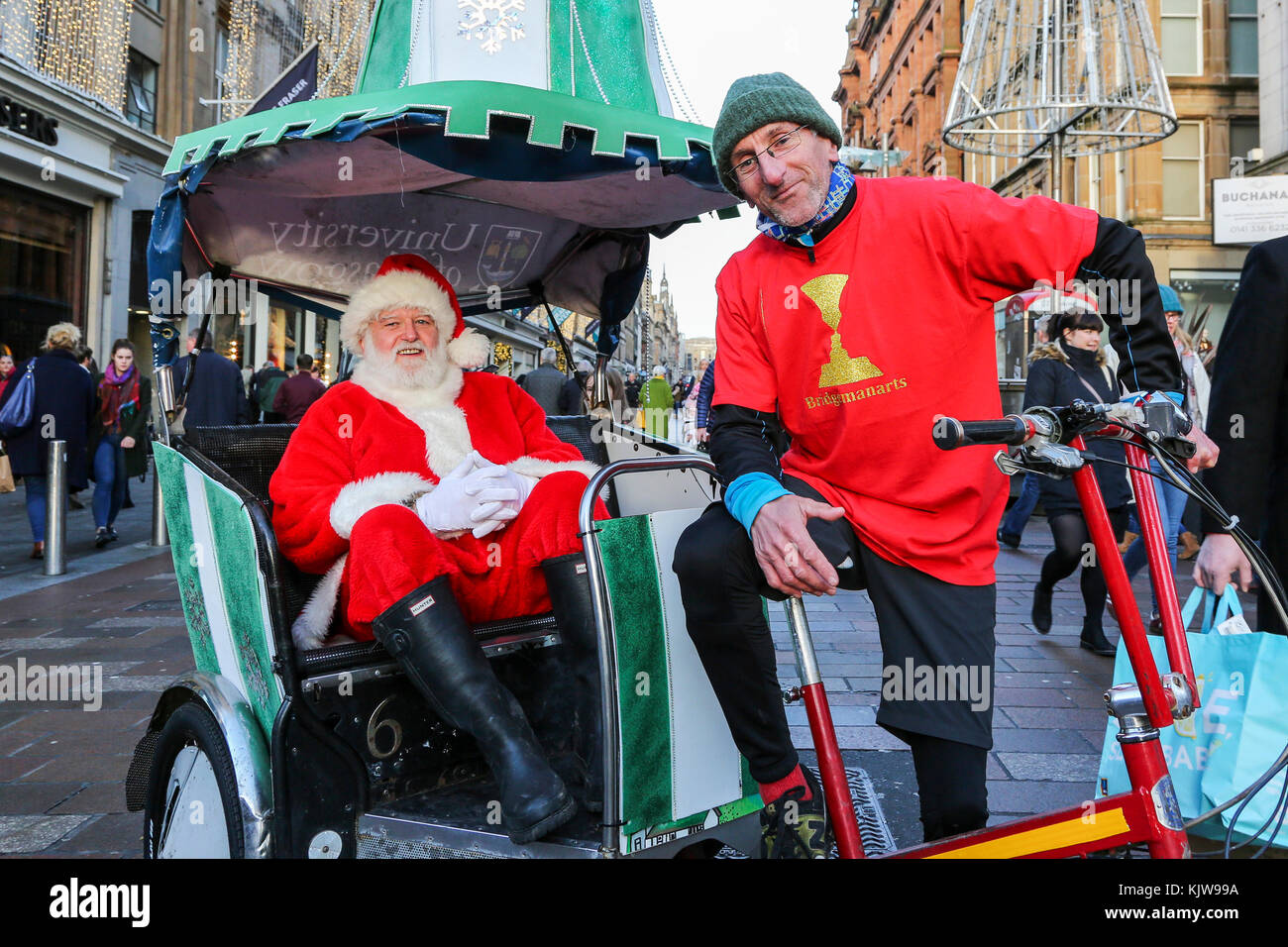 Glasgow, UK. 26th Nov, 2017. 'Glasgow Loves Christmas' annual street carnival is a multicultural, community - Stock Image