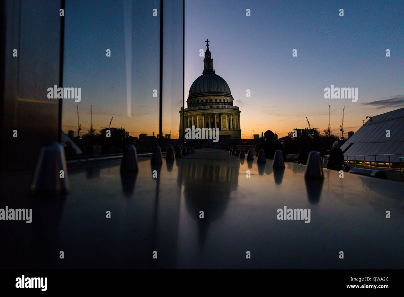 London, UK. 26th November, 2017 UK weather. Beautiful sunset on a cold, sunny winter day. View of St Paul's - Stock Image