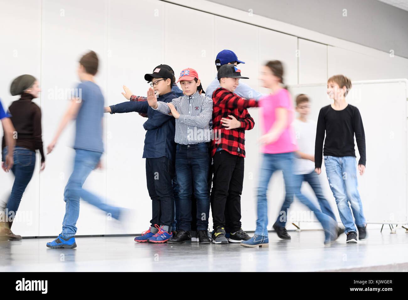 Karlsruhe, Deutschland. 27th Nov, 2017. Schuelerauffuehrung/Theater. GES/ Sportart/ Praedikatsverleihung: Schule - Stock Image