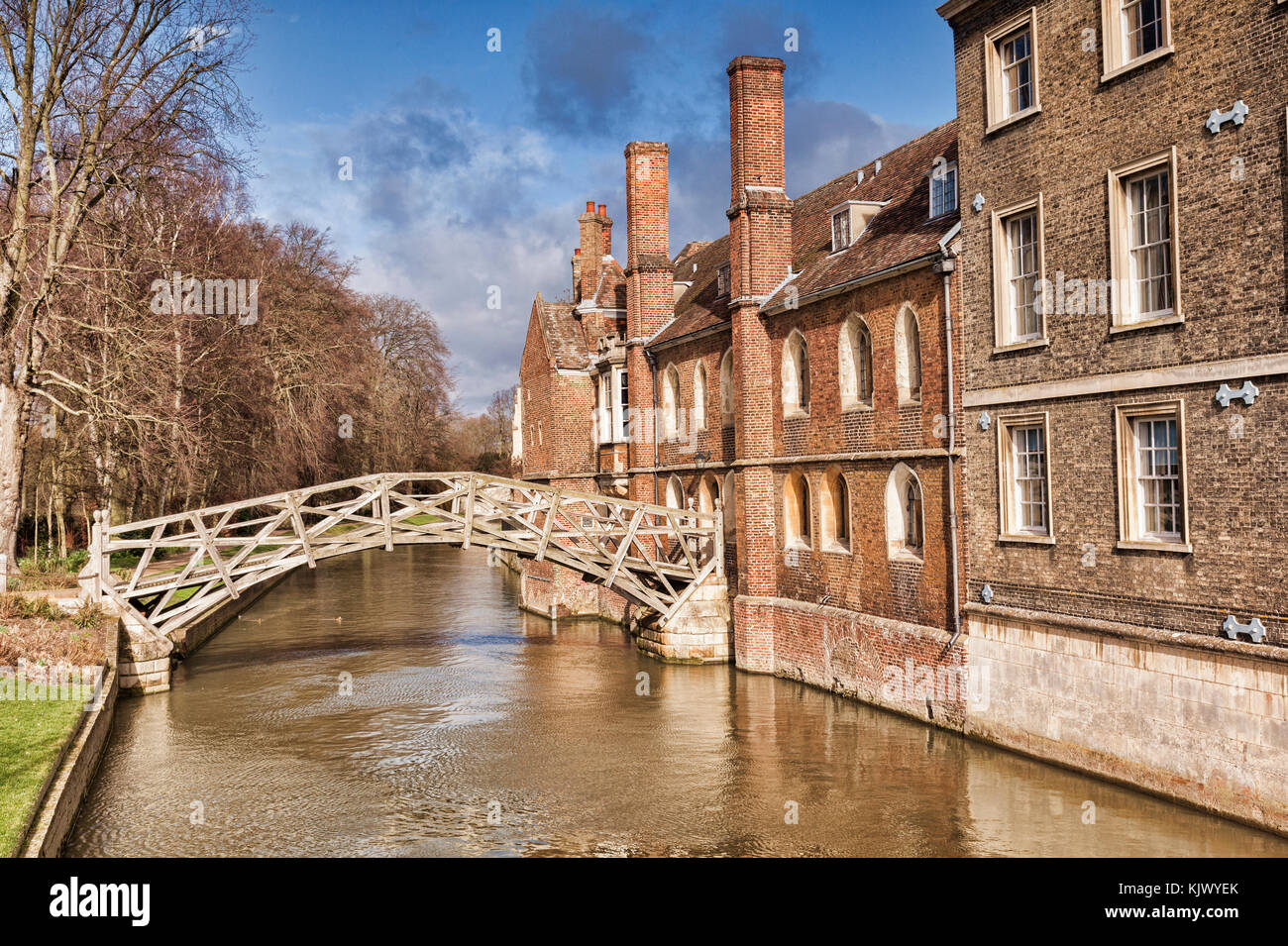 Cambridge, the Mathematical Bridge, which joins the old and new parts of Queen's College. - Stock Image