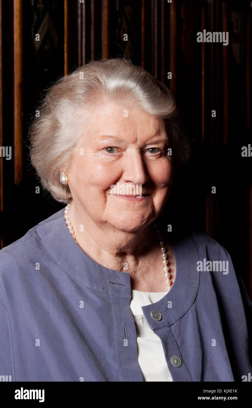 Patricia Routledge nude photos 2019