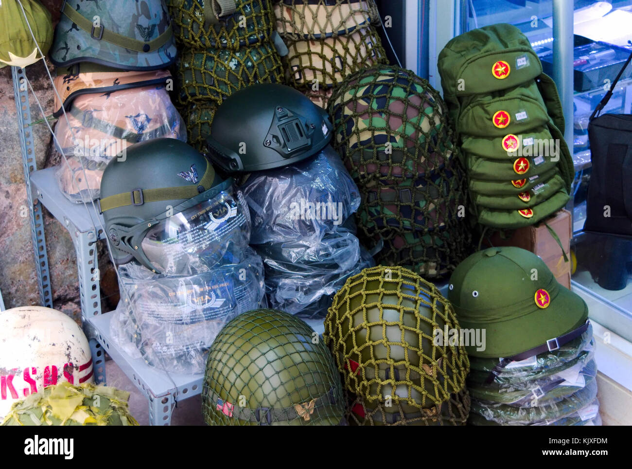 18751e3f Military Hats Stock Photos & Military Hats Stock Images - Alamy
