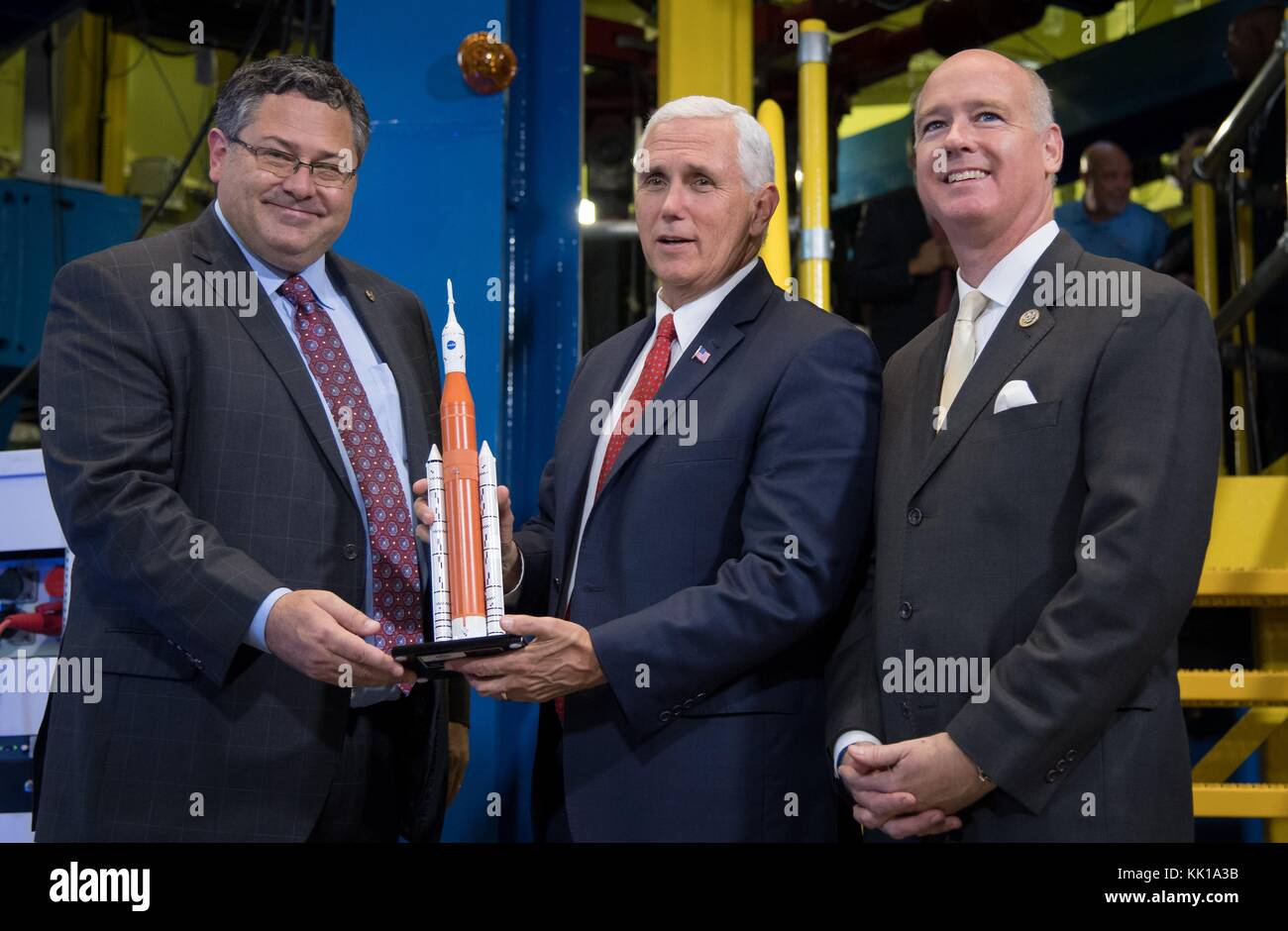 NASA Marshall Space Flight Center Director Todd May (left) presents U.S. Vice President Mike Pence and U.S. Alabama - Stock Image