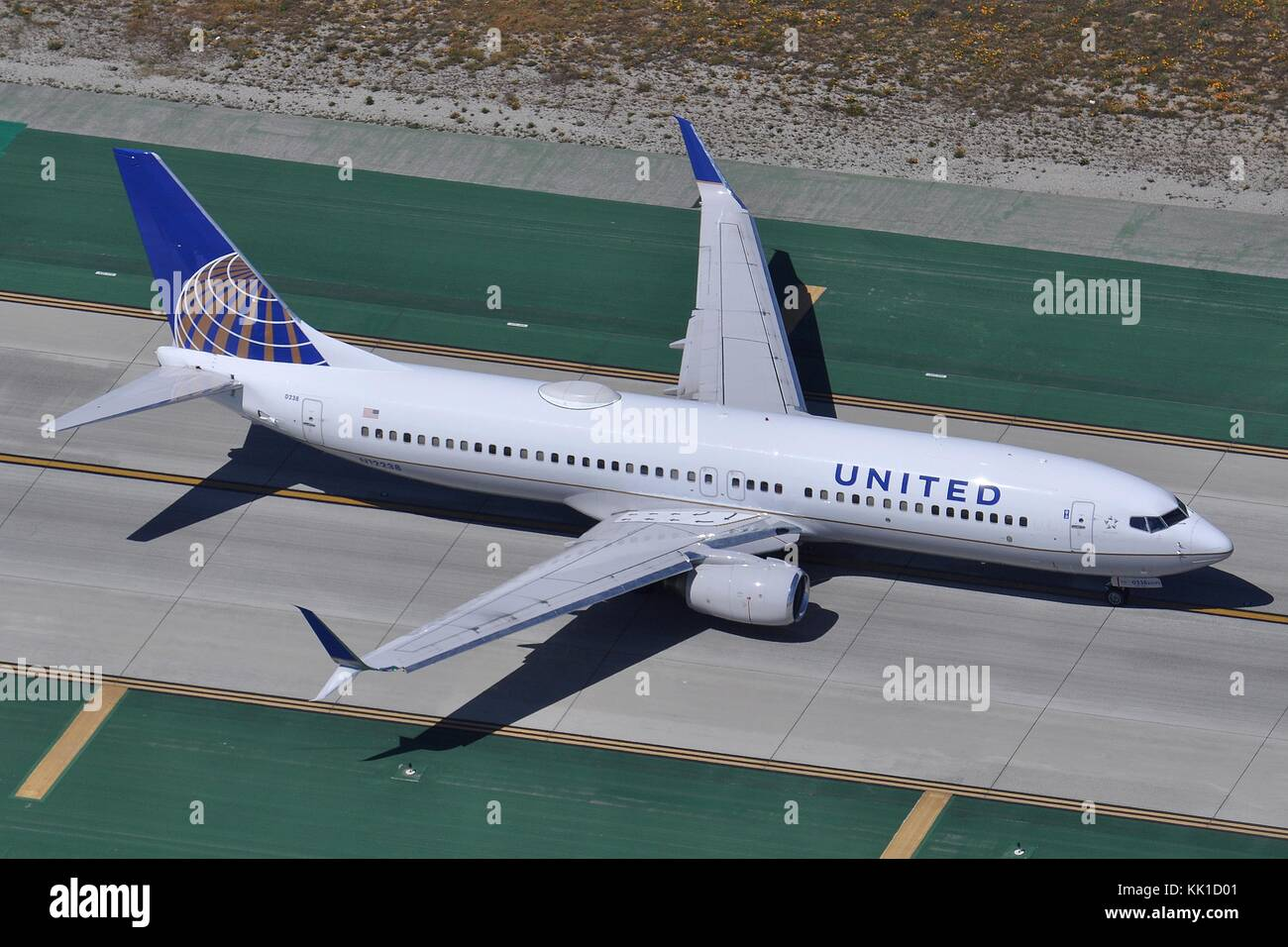 United Airlines Boeing 737 800 W N12238 At Lax Stock Photo