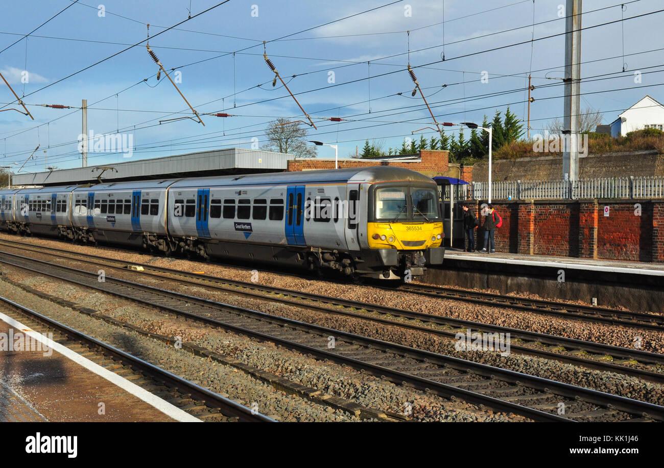 A southbound Class 365 EMU at Hitchin, Hertfordshire, England, UK - Stock Image