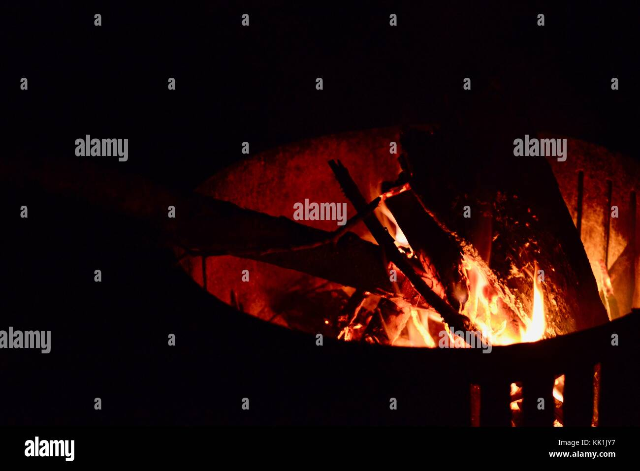 Hot Un Stock >> Red Hot Campfire Wallaman Falls Camping Area Girringun National