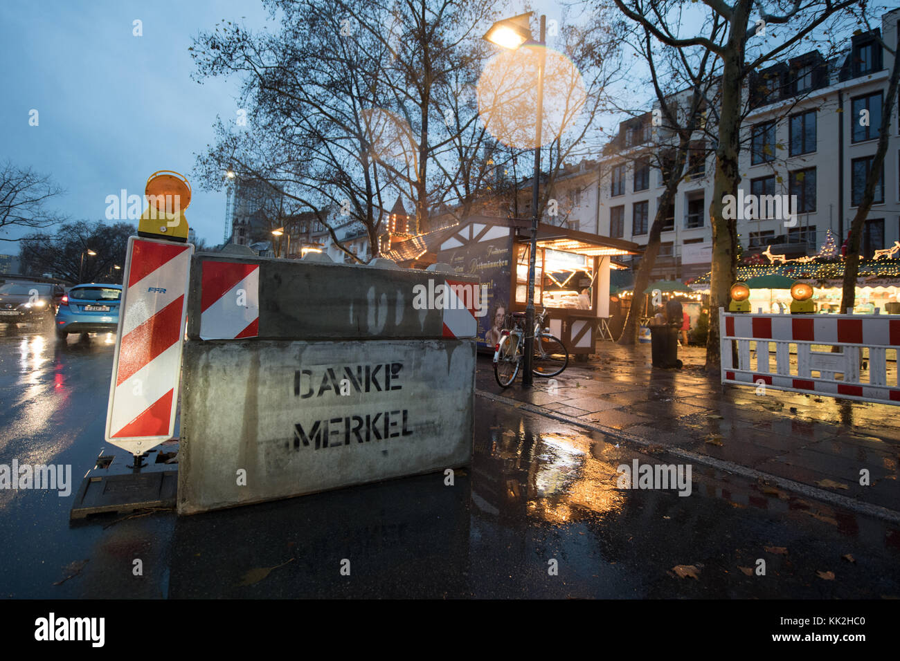 Frankfurt am Main, Germany. 27th Nov, 2017. A Delineation bollard with a graffiti reading 'thank you Merkel' - Stock Image