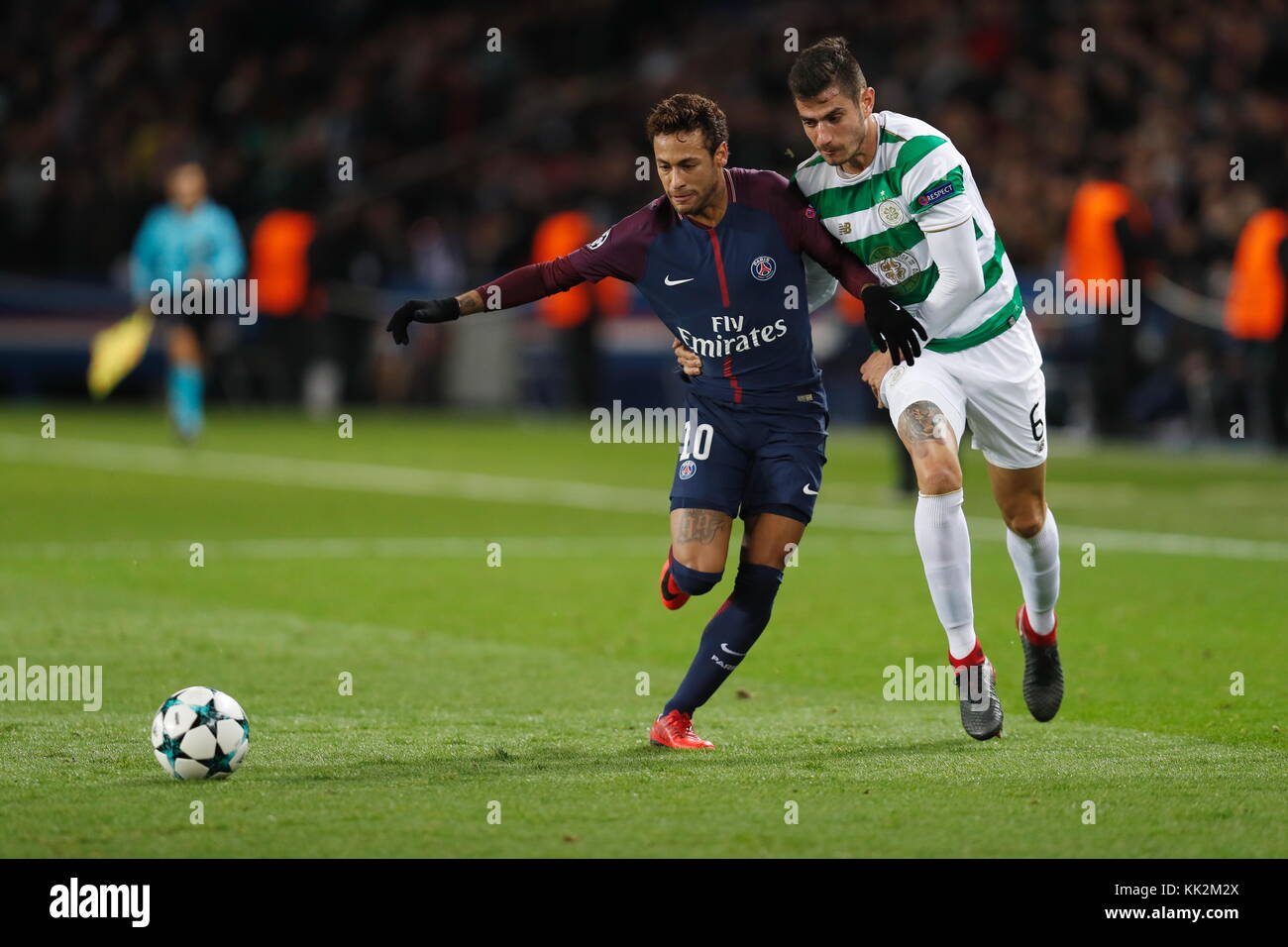 Paris, France. 22nd Nov, 2017. (L-R) Neymar (PSG), Nir Bitton (Celtic) Football/Soccer : UEFA Champions League Mtchday - Stock Image