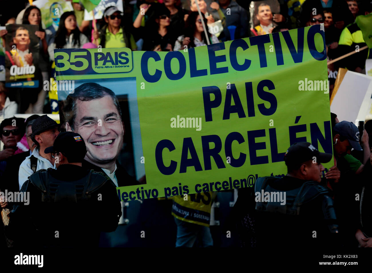 Quito, Ecuador. 28th Nov, 2017. Sympathizers show support for former Ecuadoran President Rafael Correa during an - Stock Image