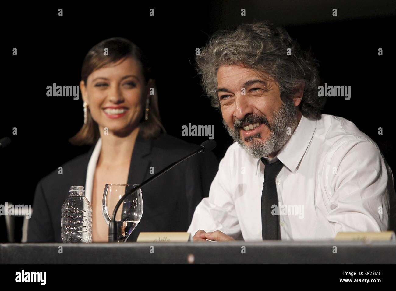 Spanish actress Michelle Jenner (L) and Argentine actor Ricardo Darin (R) present the new Christmas advert of Freixenet - Stock Image