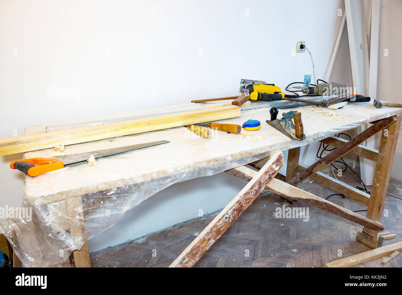 Table with the tools of a carpenter - Stock Image