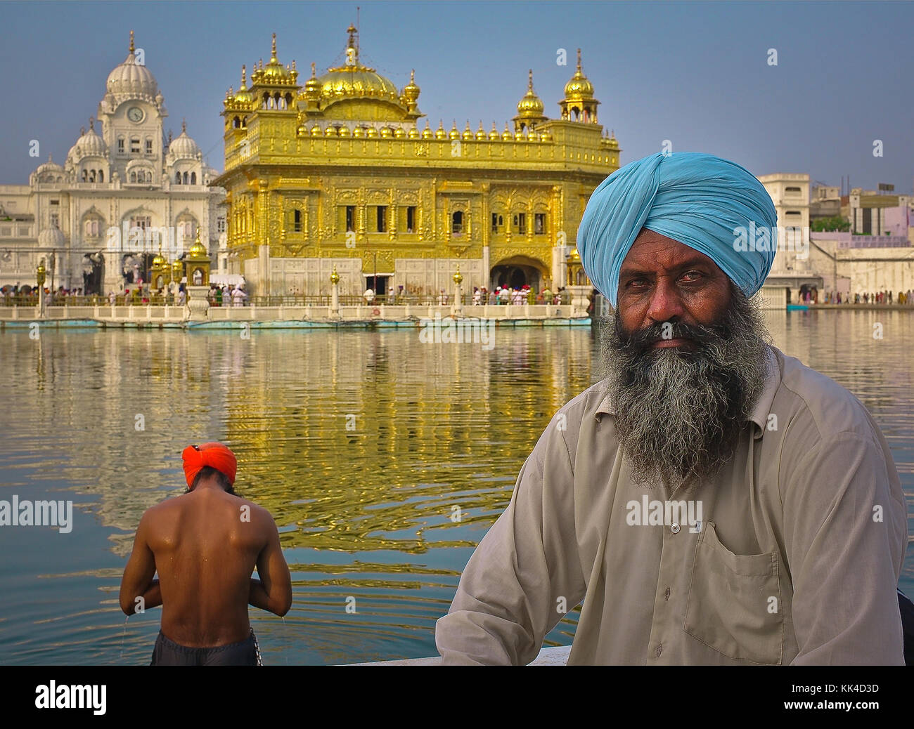 Indian Glance -  01/09/2010  -    -  Indian Glance -  The Golden Temple and its characters   -  Sylvain Leser / Stock Photo