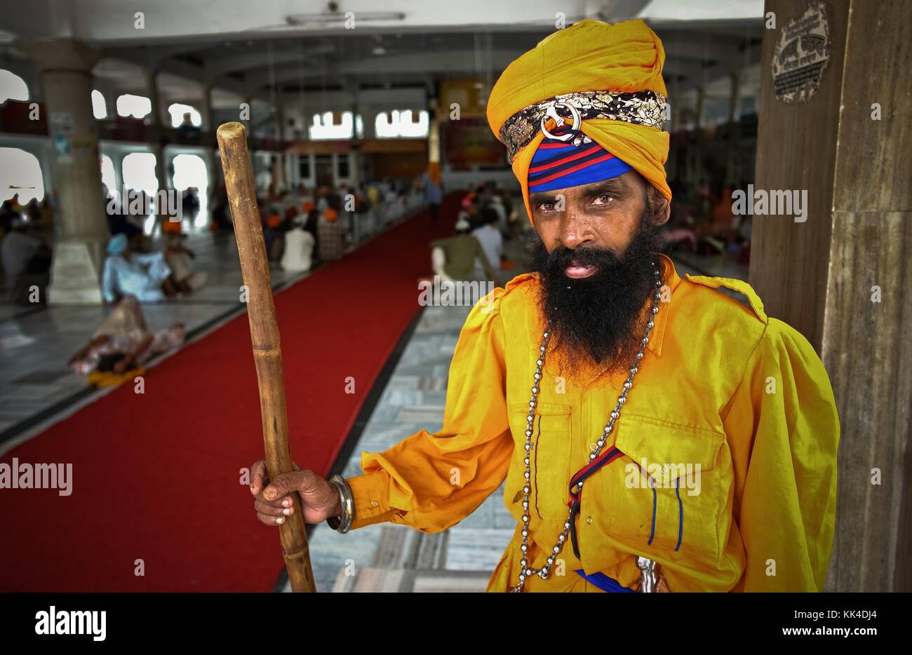Amritsar  -  03/09/2010  -    -  Sikhs in Golden Temple, a guard   -  Sylvain Leser / Le Pictorium Stock Photo